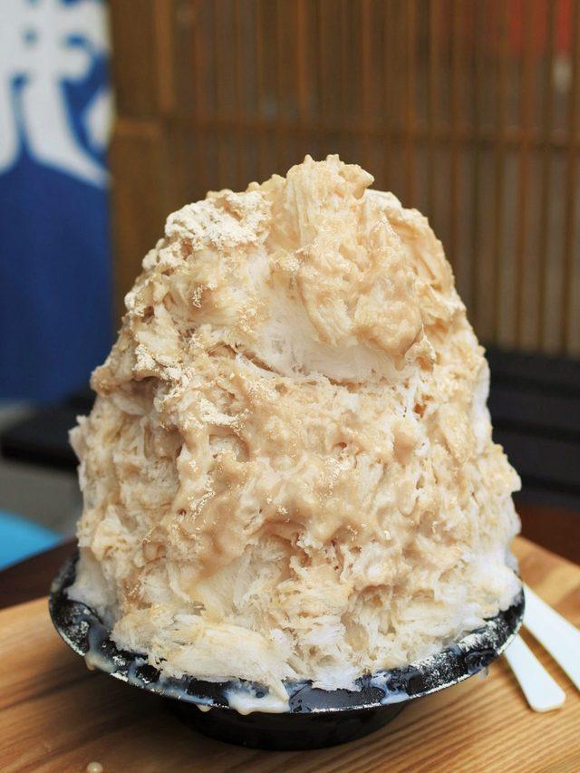 画像: 甘栗たっぷりの「栗ミルク」がかかったフワフワかき氷 名古屋・大須 発