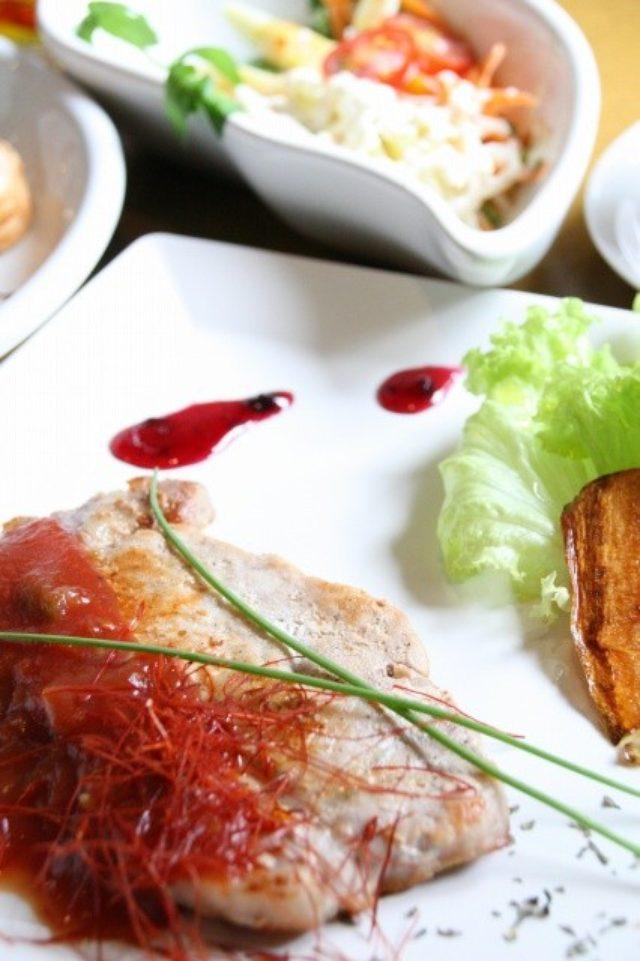 画像: JAL×はんつ遠藤コラボ企画【富良野美瑛編】3日め・Cafe&Bar(フラノダイニングカフェ)