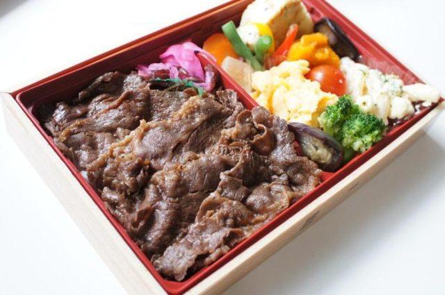 画像: 柿安牛めし「緑黄色野菜入り 黒毛和牛牛めし」@レッツエンジョイ東京