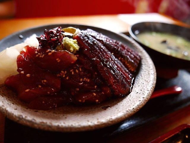 画像: マグロの漬けと鮮度抜群の魚介類が乗った豪華な丼ランチ! 西区南堀江 「蔵ます」