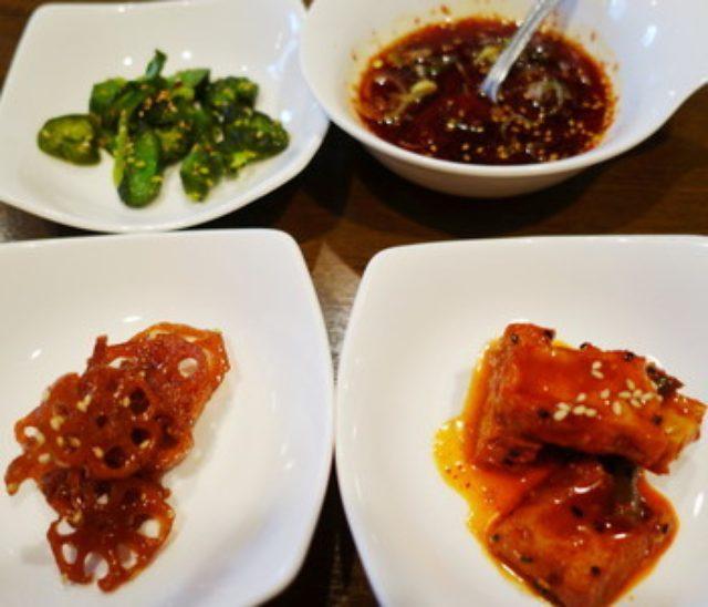 画像: 「韓国料理アレンモク」でサムギョプサルや豚足を味わう@上野