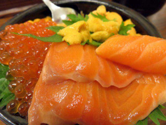 画像: 市場で豪華ウニイクラ丼とおまかせ海鮮丼♪@魚屋の台所 札幌二条市場店