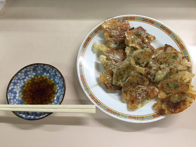 画像: 大阪餃子通信:大阪北新地『兄ちゃん』で老舗一口餃子を味わう