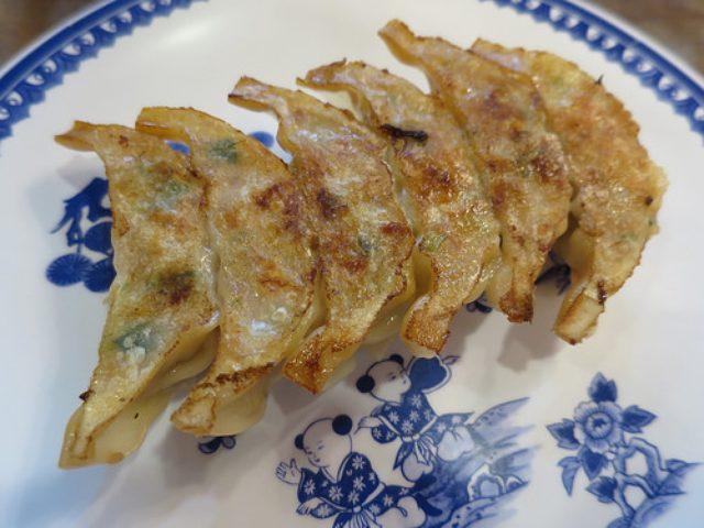 画像: 【神戸】豚まんの老舗「三宮一貫楼」は味噌ダレ餃子も旨い
