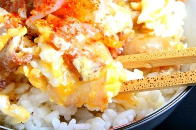 画像: ローソン新商品「直火焼 豚カルビ弁当(麦飯)」を、いろんな味に変えて楽しんでみた