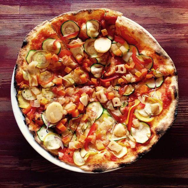 画像: 話題のベジPizza!!︎外苑前にオープン@R theTable
