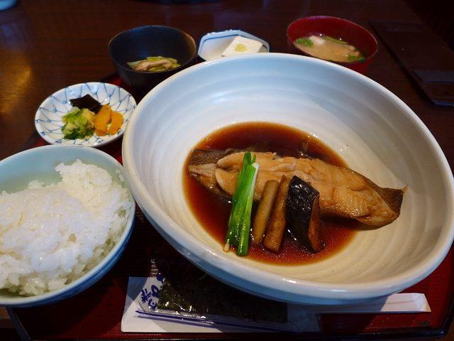 画像: 魚好きにはたまらないボリューム満点の満足感が高すぎる定食がいただけます! 江坂 「江坂 銀平」