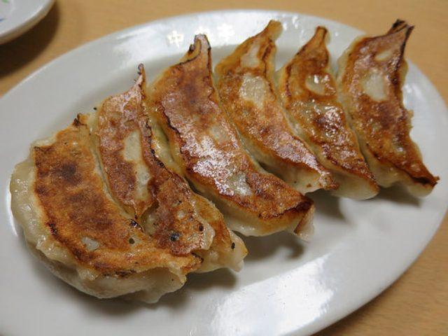 画像: 【神田】手作り餃子が旨い神田の老舗居酒屋「鶴亀」