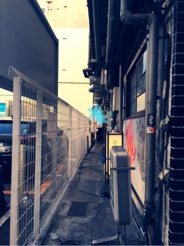 画像: 物凄い路地裏にあるラーメン!纏@新橋
