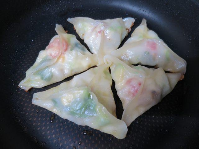 画像: 【餃子レシピ】新作イタリアン餃子を作ってみた