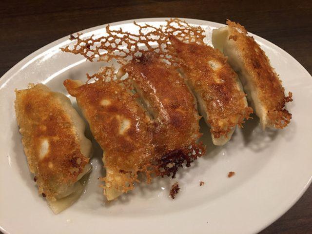 画像: タレコミ情報【大森】最新焼き機でカリッと焼き上がった「東京餃子軒」の焼き餃子