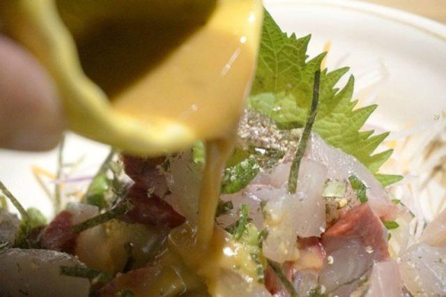 画像: 【福岡】博多駅前で博多名物のゴマサバならぬゴマカンパチ♪@七色食堂