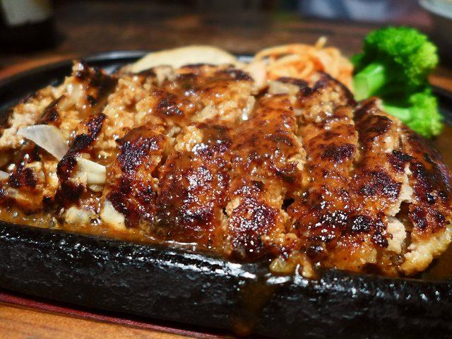 画像1: 本日のランチは桃谷にある洋食屋さん「グリルポッケ」に行きました。何を食べても感動させていただける私の大好きなお店です!今日は朝から夜までびっしり仕事が詰まっていて、ランチタイムに何も食べられなかったので、行ったのは夜です... emunoranchi.com