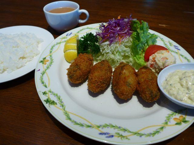 画像1: 本日のランチは東京都千代田区丸の内にある洋食屋さん「レバンテ」に行きました。久しぶりの東京出張で、今日はずっとずっと行ってみたかったお店に行ってきました!かつて大阪には、「艸葉」という洋食屋さんに、「大阪で一番美味しいカ... emunoranchi.com