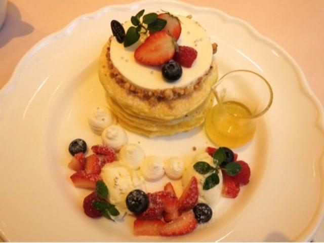 画像: マンスリー限定パンケーキ