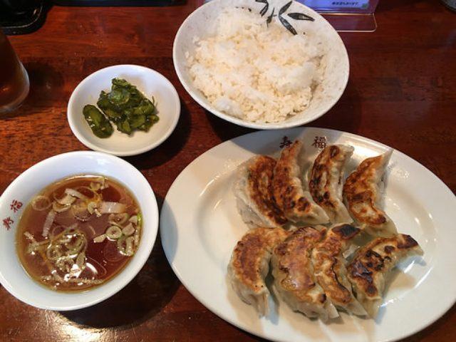 画像: タレコミ情報【自由が丘】「寿福」の平日ランチ限定餃子定食は餃子8個入り