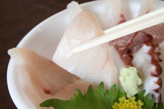 画像: JAL×はんつ遠藤コラボ企画【南あわじ市編】3日め・お土産&ピザ、海鮮丼(福良マルシェ)