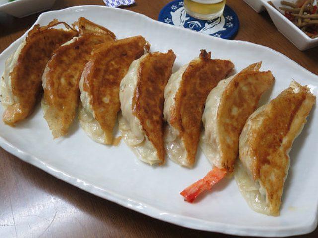画像: 【町屋】昭和22年創業の「餃子は一龍」のびっくり餃子に大満足