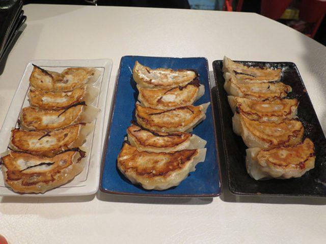 画像: 【神田】神田バル横丁の「餃子バル パチパチ」で焼き餃子3種