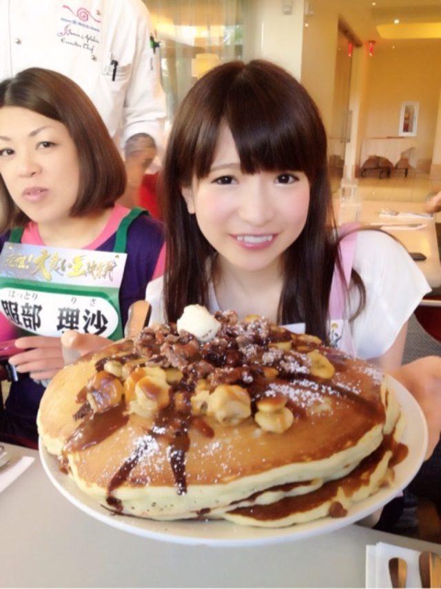 画像: パンケーキ50枚ぺろり♪