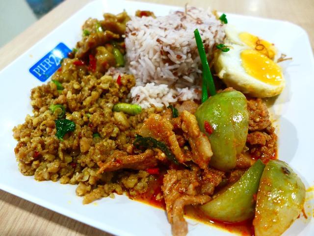 画像1: 本日のランチはタイのバンコクにあるTermimal21という施設内にあるフードコートでいただきました。タイ料理がとても好きなのですが、本場タイには一度も行ったことがなく、ずっと行ってみたいと思いながらもお恥ずかしながら一... emunoranchi.com