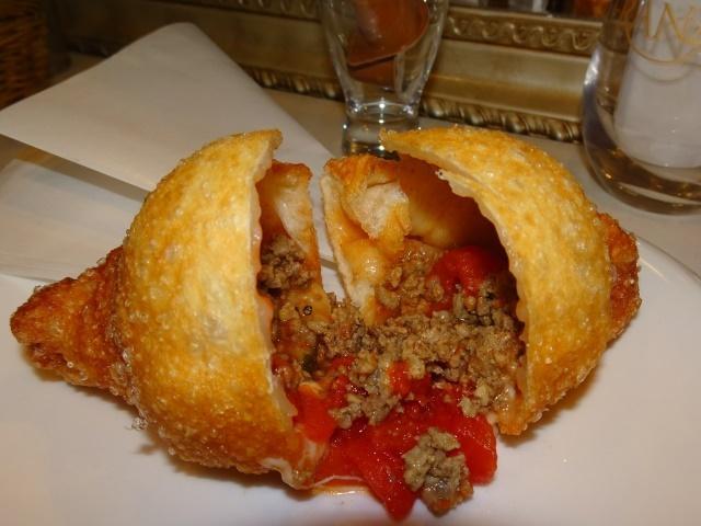 画像: 三軒茶屋Cest Moi !(セモア)の揚げピザは真似のできない旨さです!