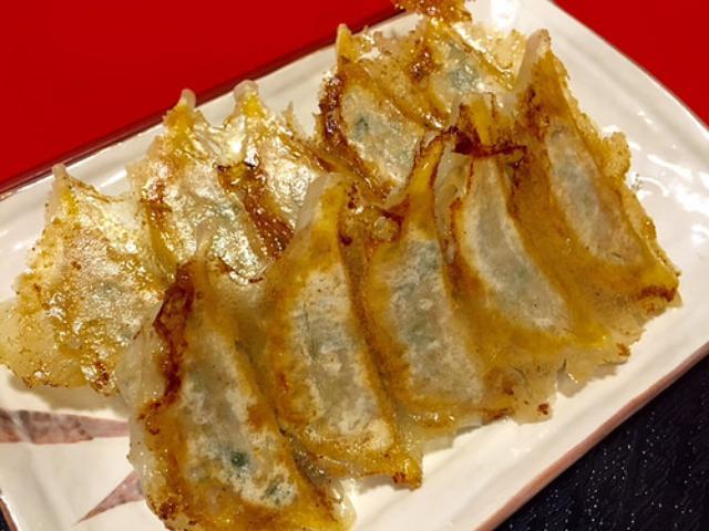 画像: 大阪餃子通信:京都清水の老舗餃子店『鐘園亭』で焼・揚・水の餃子三味定食を堪能する