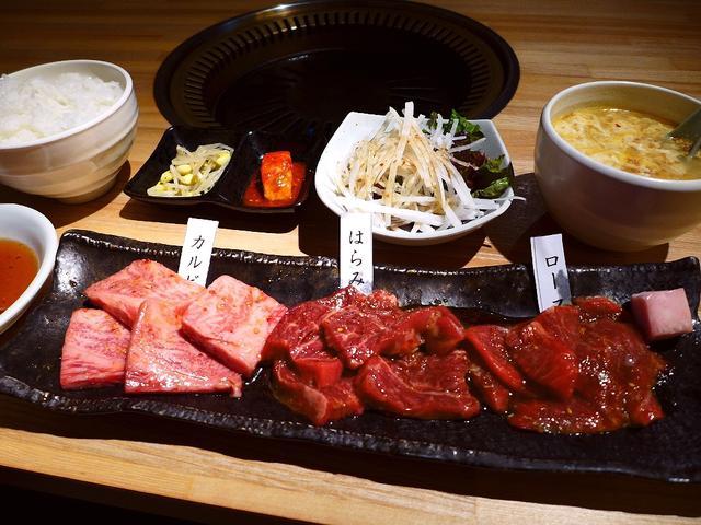 画像1: 本日のランチは豊中市曽根東にある焼肉屋さん「焼肉 高麗園」に行きました。もともとは東三国で昭和47年から営業されている老舗焼肉屋さんが、昨年9月にこちらに移転されたお店です。その際、仕入れのお肉、メニュー、タレに至るまで... emunoranchi.com