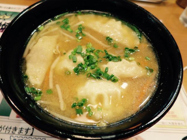 画像: 【宇都宮】宇都宮餃子ツアーの締めは「青源」で味噌スープベースの水餃子