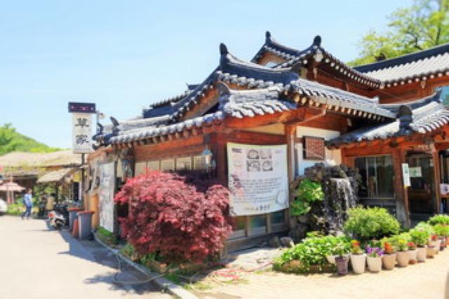 画像: 韓国・京幾道×食べあるキング企画 両班が飲んでいたスープや鶏粥を求め故郷山川@南漢山城でランチ