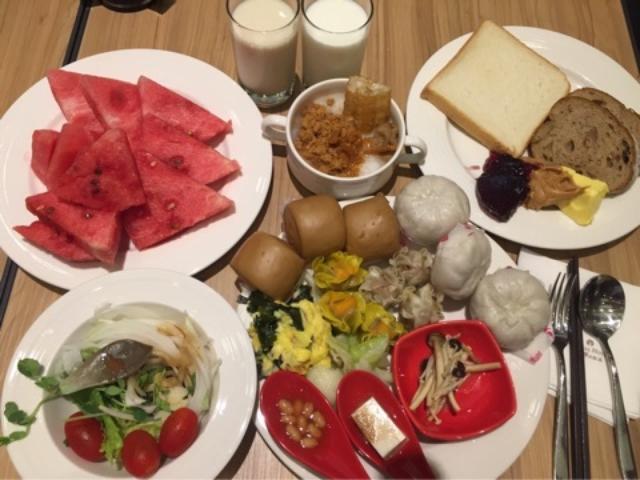 画像: 台湾の朝食ビュッフェ♪