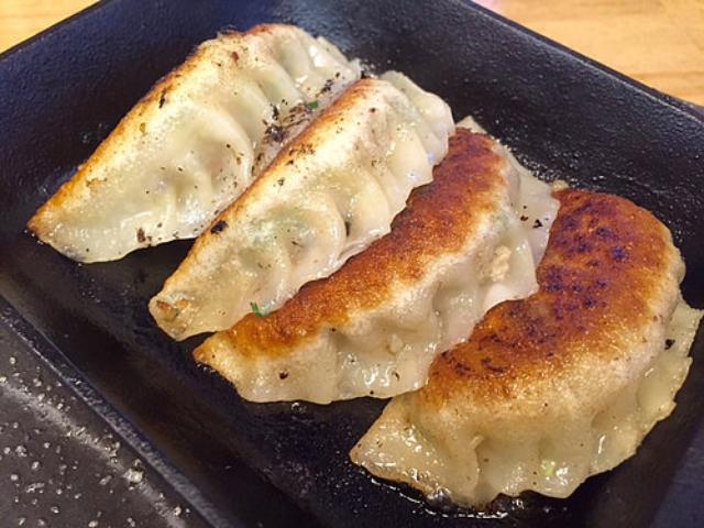 画像: 大阪餃子通信:自然派中華の鉄板餃子が食べられる神戸住吉『クイジン』