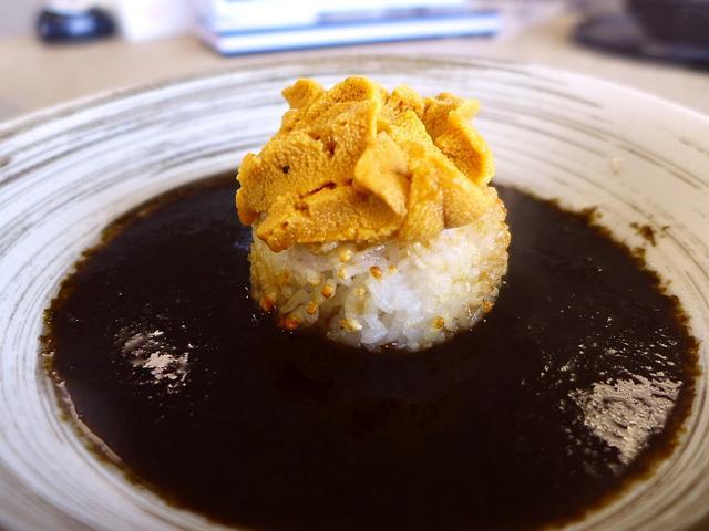 画像1: 本日のランチは淡路島の南あわじ市にある海鮮料理のお店「絶景レストラン うずの丘」に行きました。淡路島で獲れる魚介類や特産物の数々がいただける大人気のお店で、私の大好きなお店です!メニューの種類がとても豊富で、その全てがと... emunoranchi.com