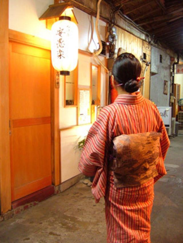 画像: 【福岡】昭和レトロな三角市場のモツ酒場♪@つけ串 安愚楽(あぐら)