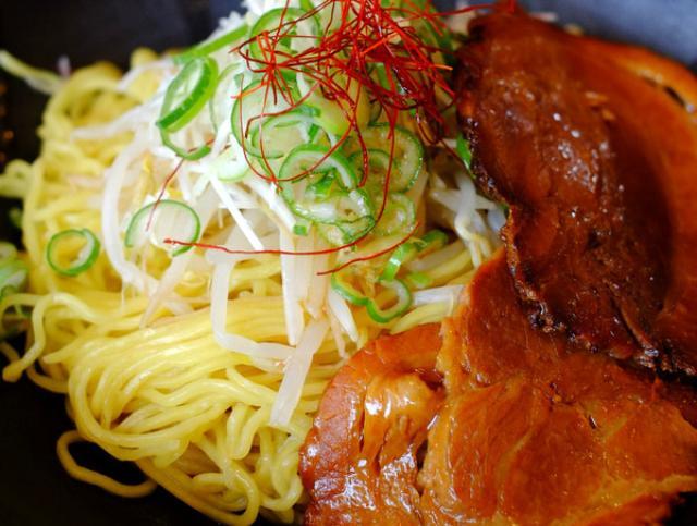 画像: 「島根・出雲 麺処しろくの鶏油そば」