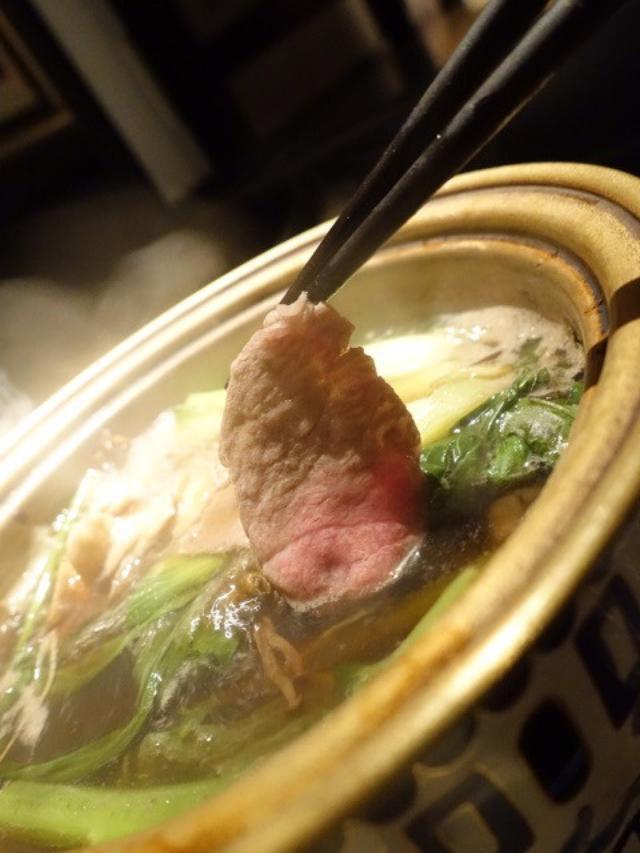 画像: 松茸も登場!「シャングリラズ シークレット」/ブラックスープで キノコしゃぶしゃぶ