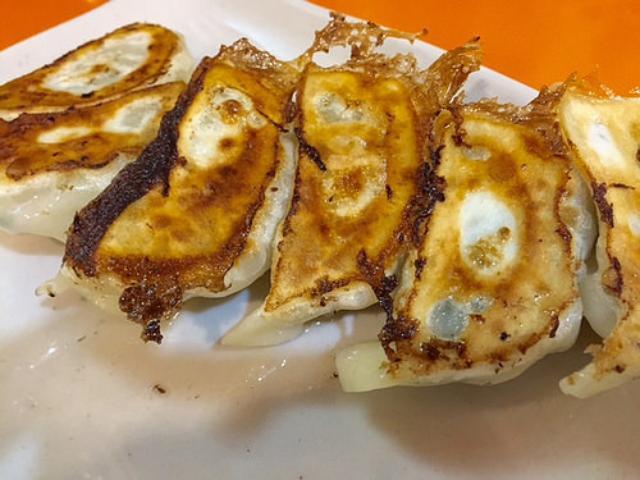 画像: 大阪餃子通信:台湾ラーメンの有名店『味仙』のモチモチ焼餃子