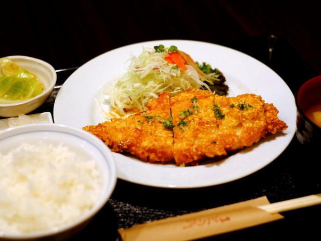 画像: 「銀座 Cafe & Pub Amber(アンバー)の鶏竜田揚げ 甘酢ソース」