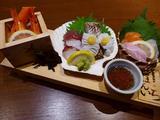 画像1: 本日のランチは福島区にある居酒屋「北海道海鮮にほんいち 福島店」に行きました。いつもお世話になっているKさんに、「Mさん、産地直送の美味しい魚介類がちょっとびっくりするほど安く食べられるお店があるので一緒に行きませんか?... emunoranchi.com