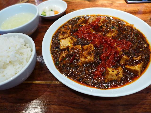 画像1: 本日のランチは心斎橋にある中華料理屋さん「紅虎軒 心斎橋店」に行きました。MBS(毎日放送)のプロデューサー本郷氏率いる「麻婆十字団」主催の「稲妻麻婆ラリー2016」が9月1日~31日まで開催されます!大阪の錚々たる中華... emunoranchi.com
