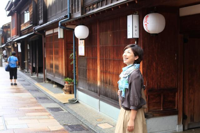 画像: 金澤寿しで 押し寿司体験!金沢 ひがし茶屋街