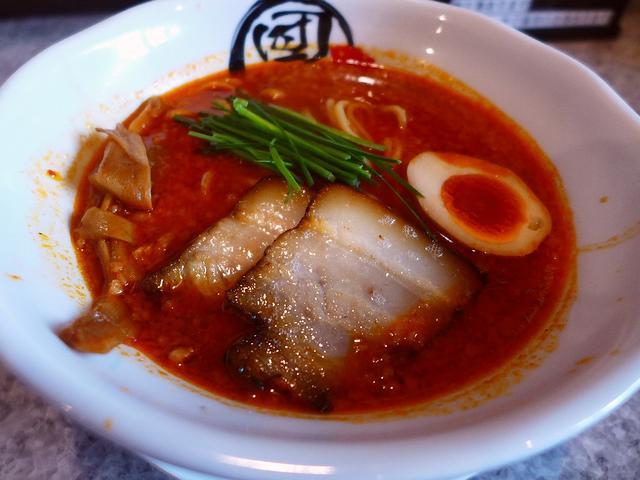 画像1: 本日のランチは関目高殿にあるラーメン屋さん「男のラーメン 関目団長」に行きました。レセプションの時にいただいた、「濃厚旨辛味噌」がどうしても食べたくて食べたくて、我慢できなくなって行ってきました!「濃厚旨辛味噌」(853... emunoranchi.com