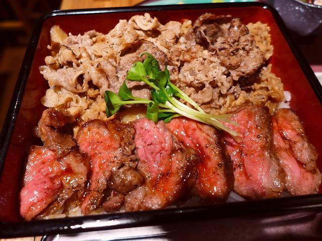 画像1: 本日のランチは梅田のエキマルシェ大阪内にある肉重の専門店「ビフテキ重・肉飯 ロマン亭」に行きました。厳選されたお肉を取り扱う卸さん直営のお店なので、非常にクオリティの高いお肉のお重がとてもリーズナブルにいただけるお店です... emunoranchi.com