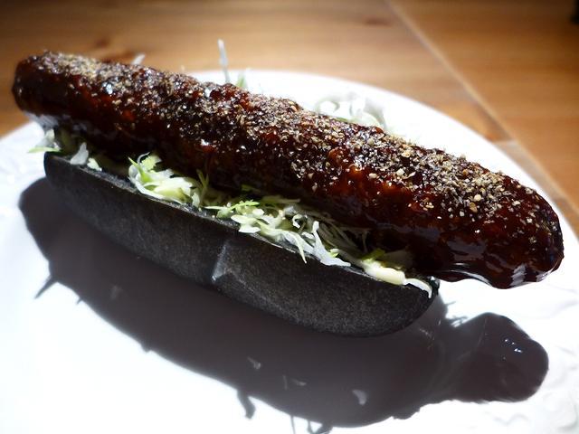 画像1: 本日のランチは心斎橋にあるカフェ「Natural Sapple(ナチュラル・サプリ)」に行きました。契約農家からこだわりの安全・安心野菜を仕入れ、野菜中心の料理ではありますが、それをお腹いっぱい味わってもらいたいというコ... emunoranchi.com