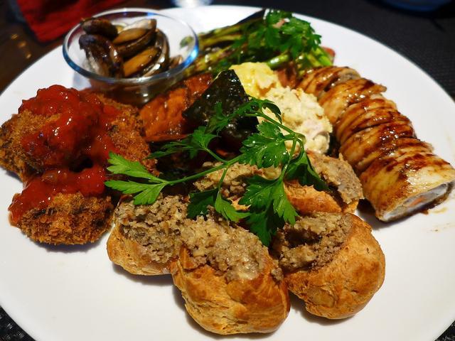 画像1: 本日のランチは東淀川区にあるカフェ「f-cafe'」に行きました。本格的な洋食や絶品欧風カレーなど、凄腕シェフの中野さんによる素晴らしい料理がいただける私の大好きなお店に久しぶりに行ってきました!今日は日曜日で本来は定休... emunoranchi.com