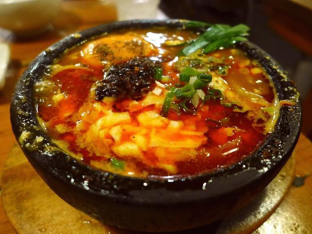 画像1: 本日のランチは此花区にある中華料理屋さん「天天菜館」に行きました。グルメのGさんが「Mさん、めちゃくちゃ美味しい中華料理屋さん発見しました!是非行きましょう!」とお誘いをいただき、福島の人気店「スミコウテツ」のテツさんと... emunoranchi.com