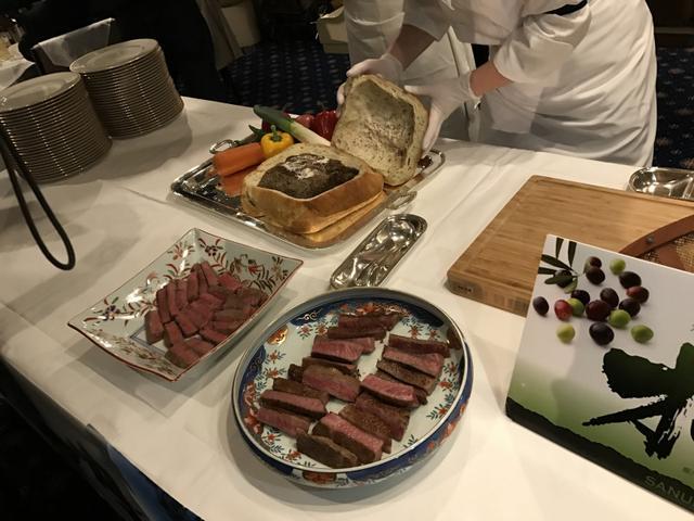 画像: 香川県の誇るオリーブ牛!東京湾サンセットディナークルーズ♡