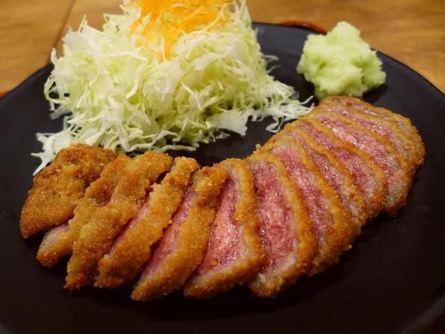 画像1: 本日のランチは千日前にある牛かつのお店「牛かつ専門店 日本橋 富士」に行きました。巷で牛かつが大流行していて様々な牛かつの専門店ができていますが、以前から気になっていたこちらのお店には初めて行ってきました!メニューは、牛... emunoranchi.com