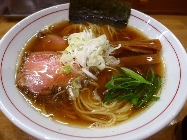 画像1: 本日のランチは北区豊崎にあるラーメン屋さん「麺処 えぐち」に行きました。江坂の「麺屋 えぐち」の姉妹店で、一時期つけ麺専門店にメニューを一新したのですが、今はまた中華そばが復活して食べられるようになりました!「中華そば+... emunoranchi.com