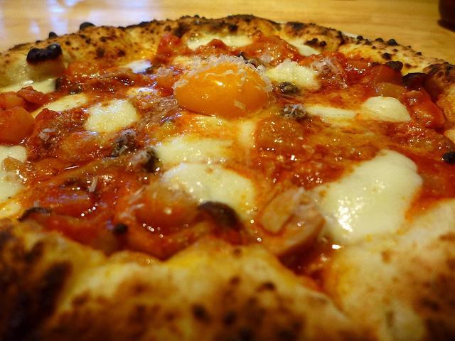 画像1: 箕面市にあるピッツェリア「Pizza San Felice(ピザ サン・フェリーチェ)」でディナーをいただきました。本格薪窯で焼く絶品ピザと、とんでもなくお値打ちのボリューム満点の前菜盛り合わせなど、驚愕のコストパフォー... emunoranchi.com